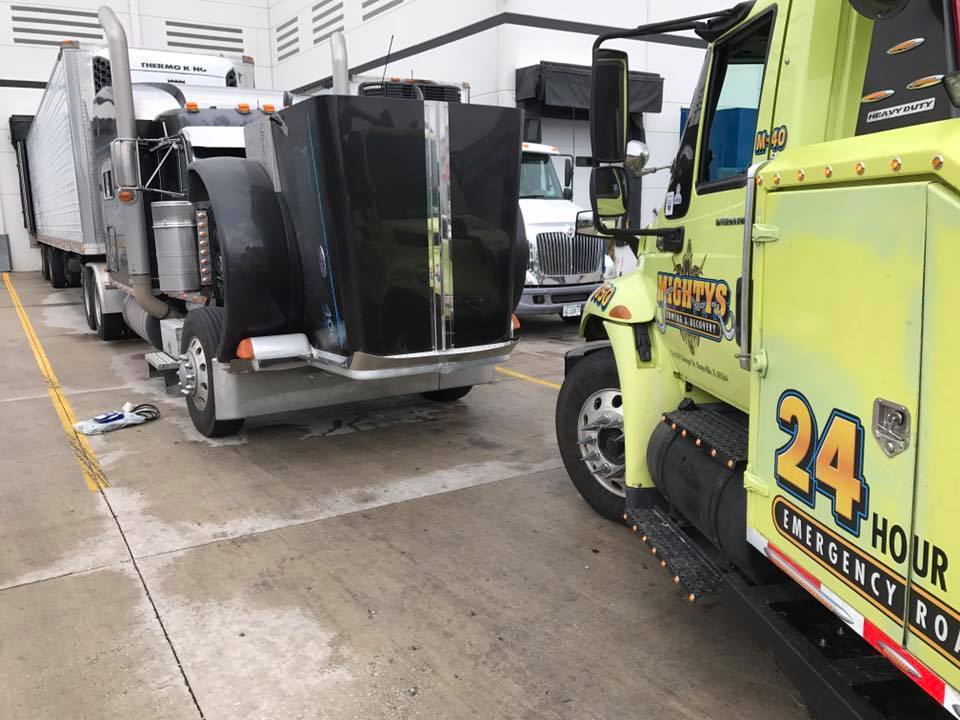 mobile truck repair chicago, mighty's towing & recovery inc.